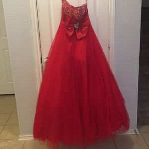 Red strapless Dress 👗